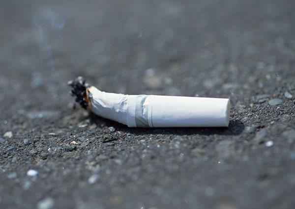 たばこのにおい